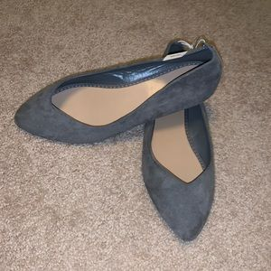 Gray Old Navy flats - Size 9 (fits more like 8.5)